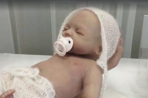 Создан гиперреалистичный робот-младенец, чтобы вы могли подготовиться к родительству заранее