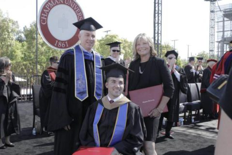 Маме вручили диплом за то, что она ежедневно сидела на занятиях с парализованным сыном