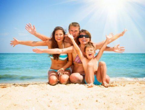 Что необходимо знать родителям о летнем отдыхе с детьми