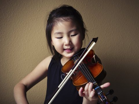 Как занятия музыкой помогают развивать детские таланты