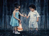 Детские игры: что можно мальчикам и девочкам