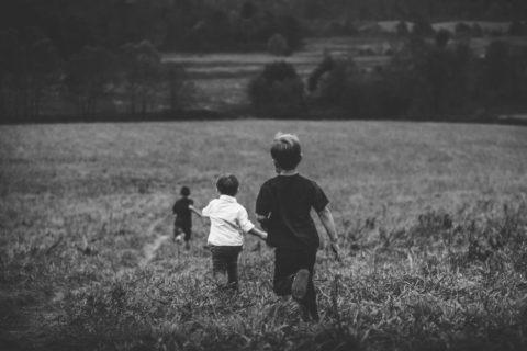 Очень-очень опасный мир. Оправданна ли чрезмерная тревожность родителей за жизнь детей?