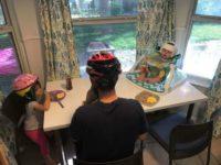 Родители начали носить защитные шлемы, чтобы поддержать больного сына