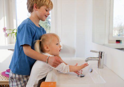 Необычный способ привить детям любовь к гигиене