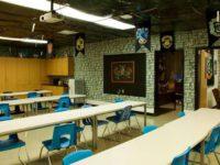 """Творческий учитель превратил учебу детей в сказку: украсил класс в стиле """"Гарри Поттера"""""""