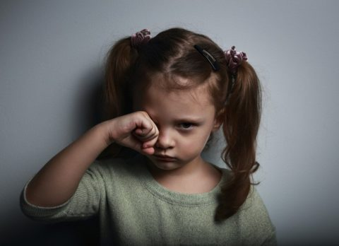 Не вешайте клеймо на ребенка. Ему с этим жить всю жизнь