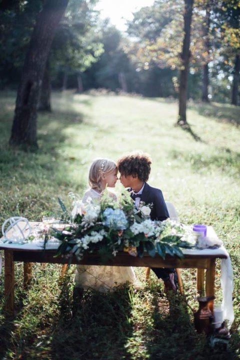 """Две мамы решили """"поженить"""" своих детей: мнения людей о такой фотосессии разделились"""
