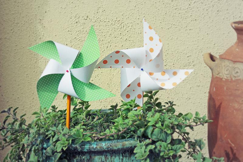 Бумажные ветряки своими руками 7