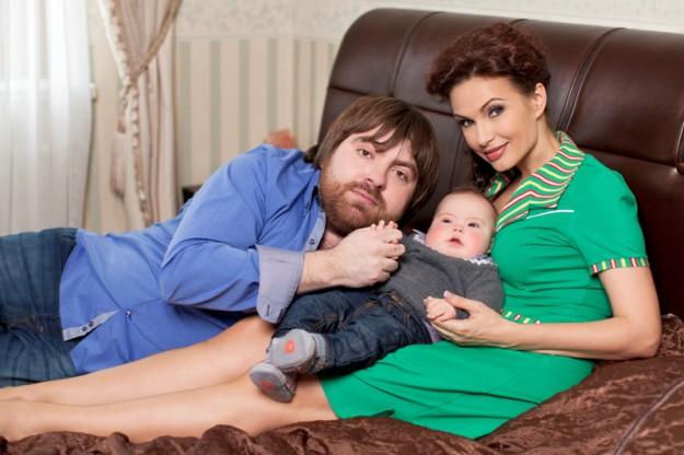 Эвелина Бледанс с сыном Сёмой