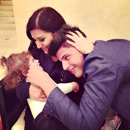 Певица Жасмин с дочкой Маргаритой и сыном Михаилом