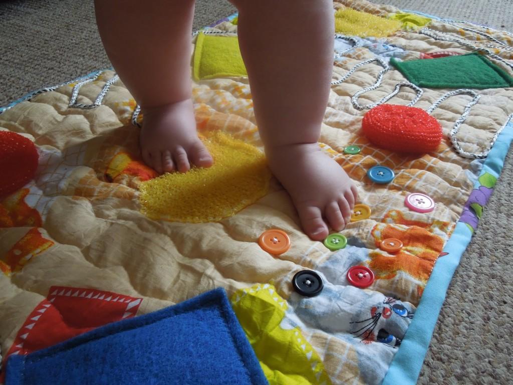 Развивающие игрушки своими руками для детей до года 80