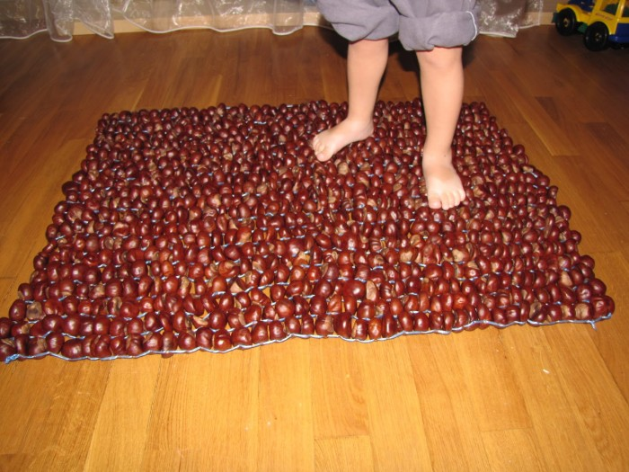 Массажей коврик для ног своими руками