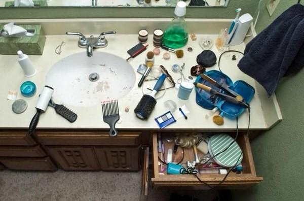 Что творится в ванной, когда сестра спешит на свидание