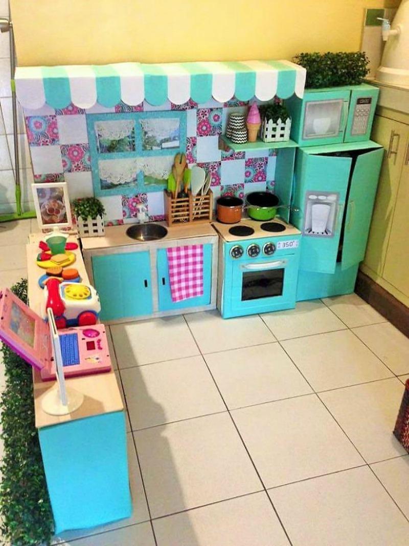 Кухня для детей из коробок