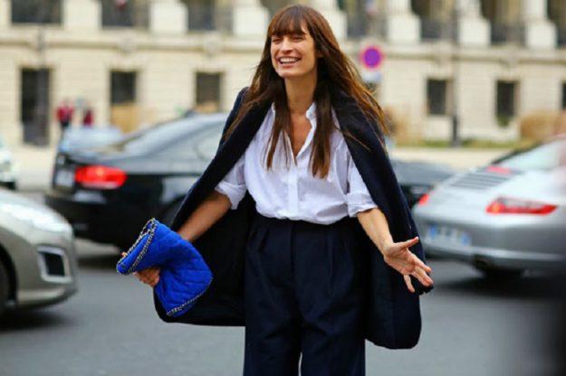 Если вы хотите выглядеть как францеженка, обязательно должны иметь в гардеробе объемную рубашку, которая сочетается как с юбками, так и с брюками