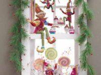 Украшаем окно к Новому году
