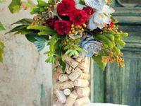 И творчество, и его результат пригодится: 15 идей по созданию ваз из того, что есть дома