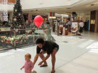 Как ходить по торговым центрам в поисках подарков и не потерять ребенка? Лайфхак от папы