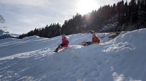 45 зимних занятий для объединения семьи