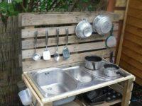 Игрушечная кухня: 10 идей для создания