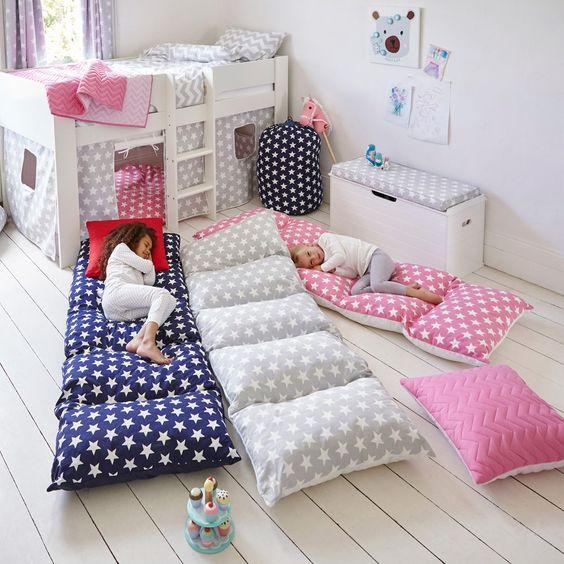 Подушки в детскую комнату своими руками 1